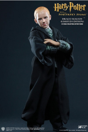 harry-potter-draco-malfoy-20-school-uniform-my-favourite-movie-actionfigur-star-ace-toys_STAC0028A_2.jpg