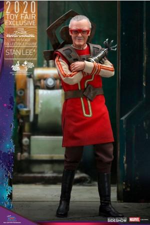 hot-toys-thor-ragnarok-stan-lee-exclusive-movie-masterpiece-actionfigur_S906326_2.jpg