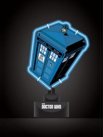 doctor-who-neon-leuchte-tardis-18-x-26-cm_ROFA91085_2.jpg