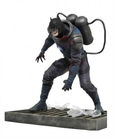 dceased-batman-dc-comic-gallery-statue-diamond-select_DIAMJUN201791_2.jpg