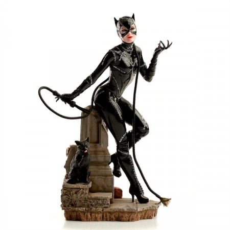 iron-studios-batmans-rueckkehr-catwoman-limited-edition-art-scale-statue_IS13484_2.jpg