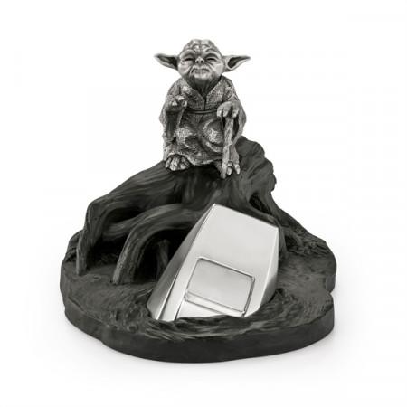 royal-selangor-star-wars-episode-v-yoda-limited-edition-pewter-collectible-statue_ROSE017997_2.jpg