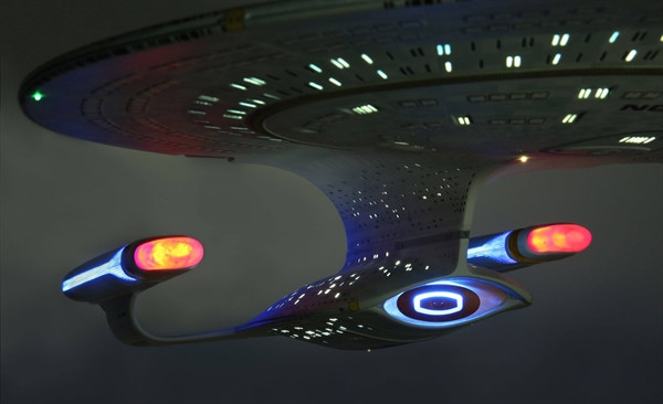 [Bild: star-trek-the-next-generation-tng-uss-en...1005_3.jpg]