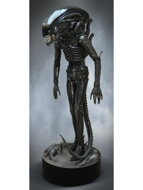 alien-big-chap-limited-edition-life-size-statue-hollywood-collectibles-group_HCG9419_2.jpg