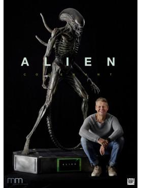 alien-covenant-alien-life-size-statue-inkl_-led-beleuchteter-base-248-cm_MMA-CO-LED_2.jpg