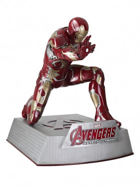 avengers-age-of-ultron-iron-man-kniend-mit-base-life-size-statue-160-cm_MMAV2IRM43A_2.jpg