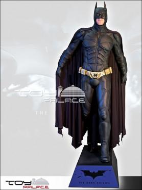 batman-the-dark-knight-life-size-statue-189-cm_MMBTDK1_2.jpg