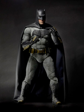 batman-v-superman-dawn-of-justice-batman-ben-affleck-14-actionfigur-48-cm_NECA61434_2.jpg