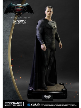 batman-v-superman-dawn-of-justice-superman-black-suit-hd-museum-masterline-statue-prime-1-studio_P1SHDMMDC-03BL_2.jpg