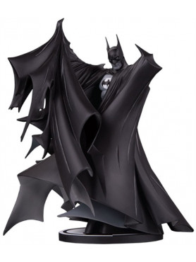 batman-version-2-todd-mcfarlane-limited-edition-deluxe-black-white-deluxe-statue-dc-direct_DCD906654_2.jpg