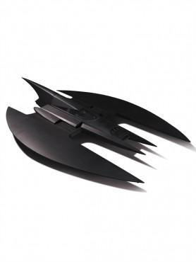 batwing-fahrzeug-mit-lichteffekten-aus-batman-the-animated-serie-94-cm_DCCAPR160436_2.jpg