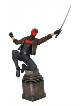 dc-comic-red-hood-gallery-statue-diamond-select_DIAMNOV192327_2.jpg