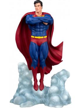 DC Comic: Superman Ascendant - DC Gallery Statue