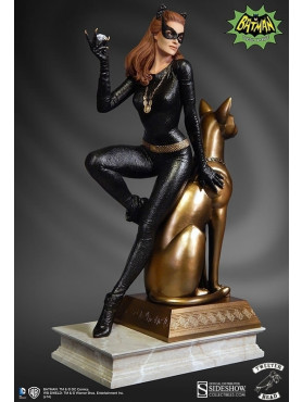 dc-comics-catwoman-maquette-diorama-29-cm_S9021882_2.jpg