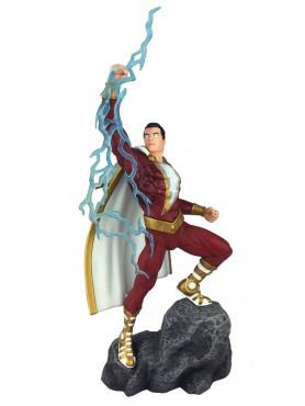 dc-comics-shazam-dc-comic-gallery-statue-28-cm_DIAMAUG182580_2.jpg