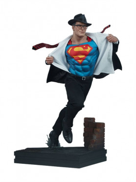 dc-comics-superman-call-to-action-limited-edition-premium-format-statue-sideshow_S300715_2.jpg