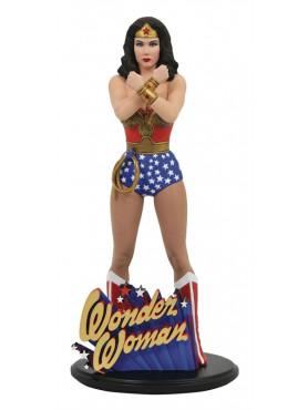 dc-comics-wonder-woman-linda-carter-dc-comic-gallery-statue-diamond-select_DIAMJAN202453_2.jpg