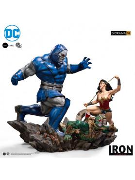 dc-comics-wonder-woman-vs-darkseid-limited-edition-ivan-reis-diorama-iron-studios_IS71588_2.jpg