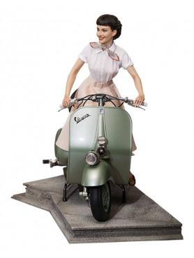 ein-herz-und-eine-krone-princess-ann-audrey-hepburn-1951-vespa-125-limited-edition-statue-blitzway_BW903714_2.jpg