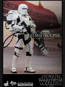 first-order-flametrooper-the-force-awakens-sixth-scale-figur16-by-hot-toys-star-wars-30-cm_S902575_2.jpg