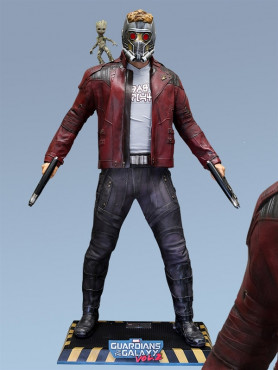 guardians-of-the-galaxy-vol_-2-star-lord-little-groot-life-size-statue-202-cm_MMSTA-GG2-2_2.jpg