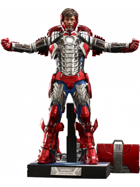 hot-toys-iron-man-2-tony-stark-mark-v-suit-up-version-deluxe-movie-masterpiece-series-actionfigur_S908411_2.png
