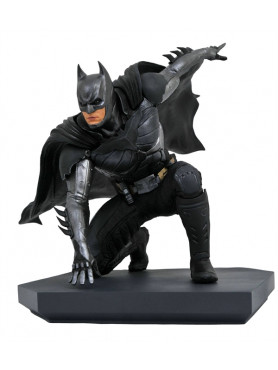 injustice-2-batman-dc-video-game-gallery-statue-diamond-select_DIAMNOV192337_2.jpg