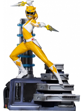 iron-studios-power-rangers-yellow-ranger-limited-edition-bds-art-scale-statue_IS12818_2.png