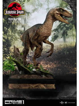 Jurassic Park: Velociraptor - Legacy Museum Collection 1:6 Statue