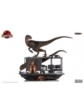 jurassic-park-velociraptors-in-der-kche-110-art-scale-diorama-33-cm_IS77362_2.jpg