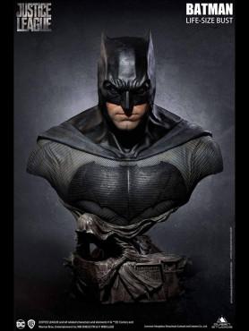 justice-league-batman-limited-edition-life-size-bueste-cinemaquette-queen-studios_QS-BATBUST_2.jpg