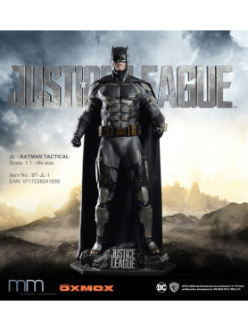 justice-league-batman-tactical-suit-life-size-statue-inkl_-base-220-cm_MMBT-JL-1_2.jpg