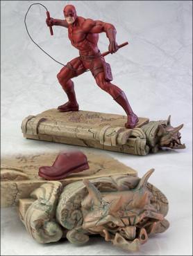 marvel-fine-art-statue-16-daredevil-26-cm_KTOMK146_2.jpg
