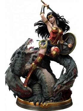 Wonder Woman (Comic): Wonder Woman vs. Hydra - Museum Masterline Statue