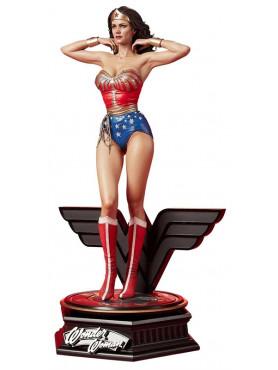 prime-1-studio-wonder-woman-1975-lynda-carter-limited-edition-museum-masterline-statue_P1SMMWW-03_2.jpg