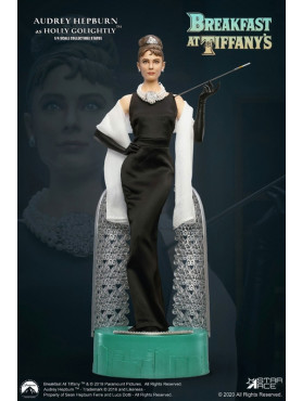 star-ace-toys-fruehstueck-bei-tiffany-holly-golightly-favourite-legend-series-superb-statue_STACSA4004_2.jpg