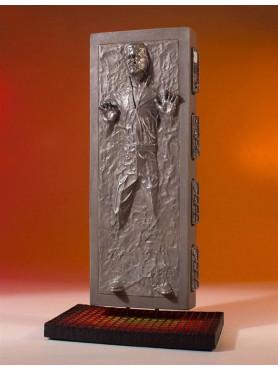 star-wars-episode-v-han-solo-in-carbonite-collectors-gallery-18-statue-24-cm_GG80780_2.jpg