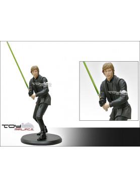 star-wars-episode-vi-luke-skywalker-mit-lichtschwert-statue-attakus_AT31_2.jpg