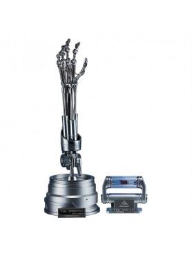 terminator-2-the-real-replik-11-t-800-endoskelett-arm-gehirn-chip-set_S400355_2.jpg