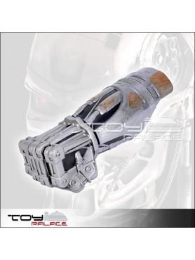 terminator-salvation-t-600-endoskelett-hand-inkl_-unterarm-role-play_PLMA51354_2.jpg