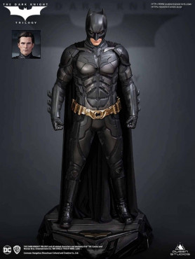 the-dark-knight-batman-deluxe-edition-limited-edition-statue-queen-studios_QS-DARK-KNIGHT-DX_2.jpg