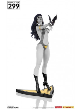 women-of-dynamite-vampirella-50th-anniversary-black-white-limited-edition-statue-dynamite-entertainm_DYNA905399_2.jpg