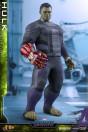 avengers-endgame-hulk-movie-masterpiece-series-actionfigur-hot-toys-sideshow_S904922_5.jpg