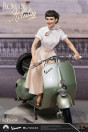 ein-herz-und-eine-krone-princess-ann-audrey-hepburn-1951-vespa-125-limited-edition-statue-blitzway_BW903714_5.jpg