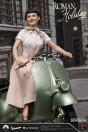 ein-herz-und-eine-krone-princess-ann-audrey-hepburn-1951-vespa-125-limited-edition-statue-blitzway_BW903714_6.jpg
