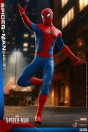 hot-toys-marvels-spider-man-classic-suit-video-game-masterpiece-actionfigur_S907439_7.jpg