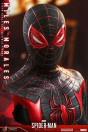 hot-toys-marvels-spider-man-miles-morales-miles-morales-video-game-masterpiece-actionfigur_S907275_10.jpg