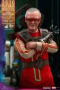 hot-toys-thor-ragnarok-stan-lee-exclusive-movie-masterpiece-actionfigur_S906326_5.jpg