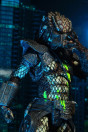 neca-predator-2-city-hunter-battle-damaged-ultimate-actionfigur_NECA51428_6.jpg