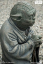 star-wars-episode-v-yoda-limited-edition-life-size-bronze-statue-sideshow_S400353_4.jpg